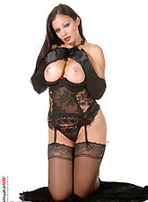 VirtuaGirlHD Aria Giovanni in witch suite for halloween